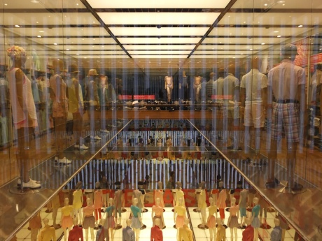 uniqlo flagship store designed by wonder wall